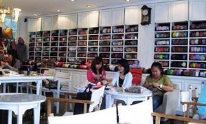 Mới phát hiện quán cafe dành cho các teen mê đan khăn nè!