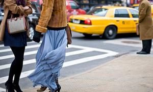Street style nóng hổi tại trung tâm thời trang lớn nhất thế giới