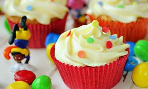 Ực ực, cupcake bơ và sôcôla ngon tuyệt :X