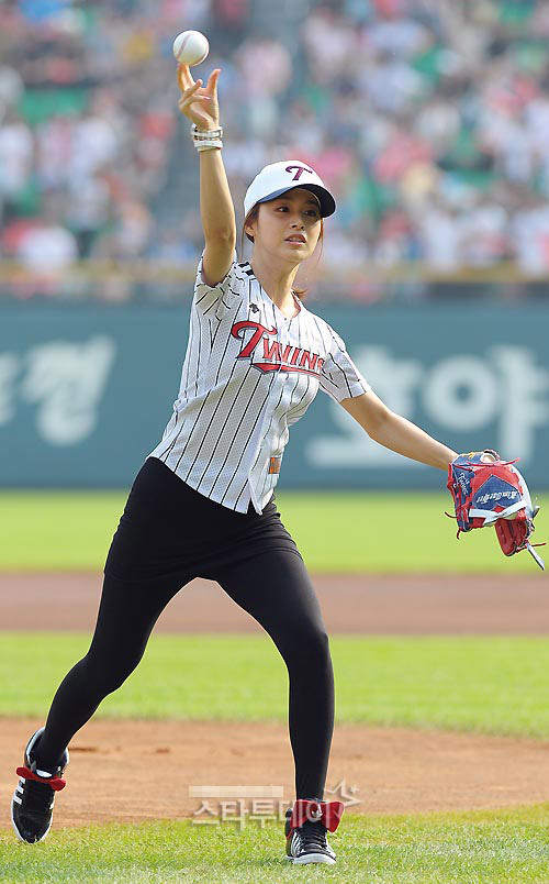 kim-tae-hee-13-593716-1371382129_500x0.j