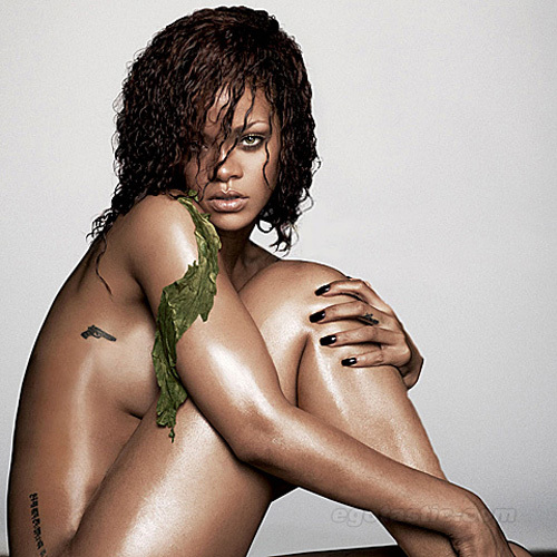 rihanna-nov-esquire-lb-841592-1371298955