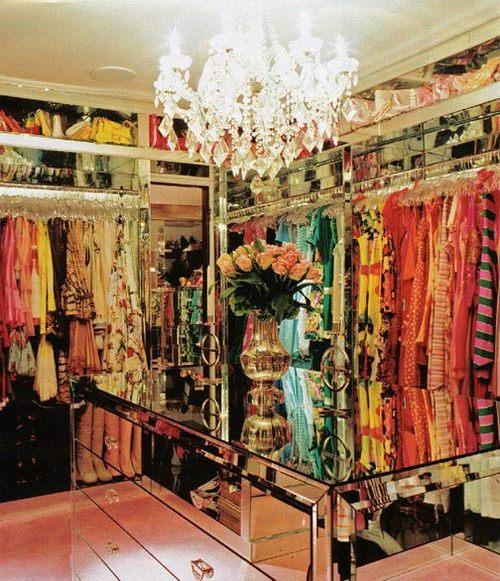 paris-hiltons-closet-638357-1371284801_5