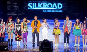 'Tám' với nhóm nhảy Việt được 2NE1 khen hết lời