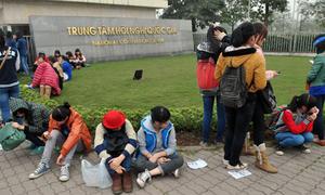Clip: Fan Việt vạ vật, bức xúc tìm vé Music Bank