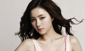 Shin Se Kyung thích hôn Bi Rain