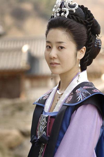 queen-seon-deok-1-278357-1372631764_500x