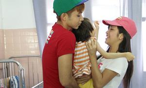 Jun 365 cùng thí sinh Miss Teen thăm trẻ khuyết tật