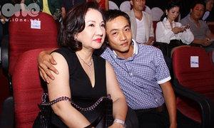 Cường Đô la cùng mẹ đi cổ vũ Hồ Ngọc Hà