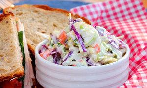 Ngon miệng salad bắp cải siêu dễ làm