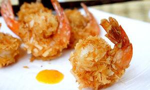 Thơm ngon tôm tẩm dừa nạo chiên vàng