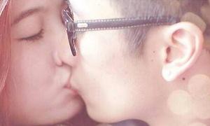 Mie khoe ảnh hôn JVevermind