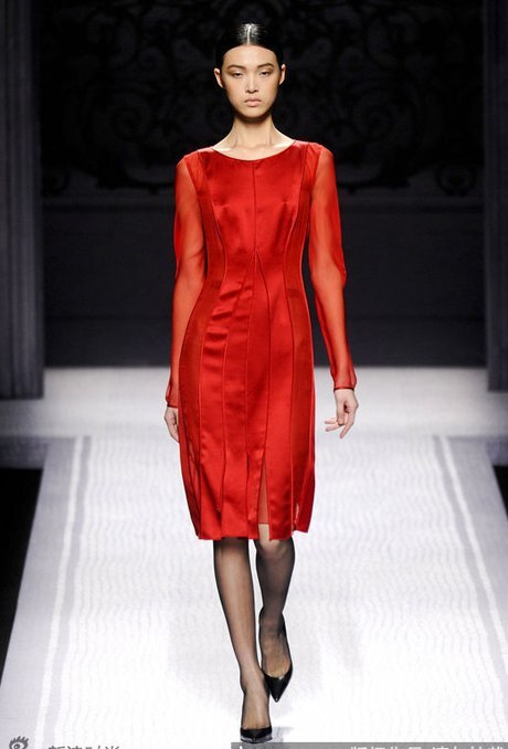 Chưa đầy 20 tuổi, Du Thiên Dực đã góp mặt tại các Tuần lễ thời trang lớn nhất thế giới. Cô là người mẫu được lòng các thương hiệu Valentino, Miu Miu&