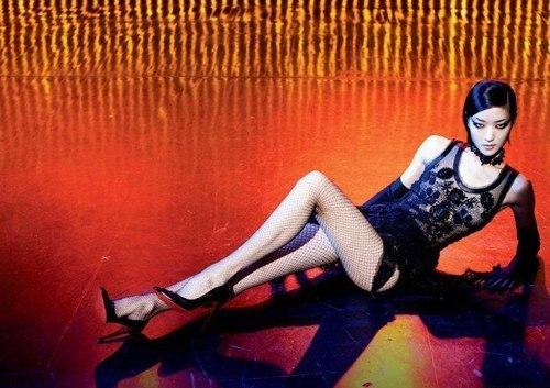 Đỗ Quyên sải bước trên Đỗ Quyên sải bước trên catwalk nhiều thương hiệu tại các quần lễ thời trang quốc tế. Cô là gương mặt đại diện của Louis Vuitton, Roberto Cavalli, Gap, Swarovski& nhiều thương hiệu tại các quần lễ thời trang quốc tế. Cô là gương mặt đại diện của Louis Vuitton, Roberto Cavalli, Gap, Swarovski&