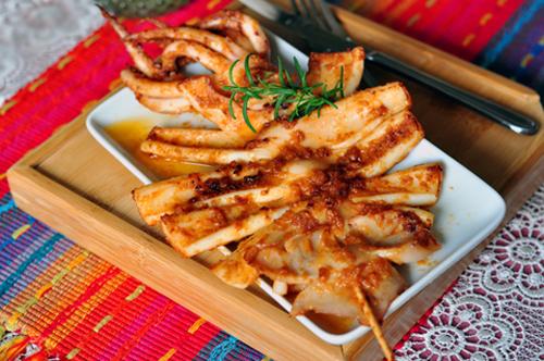 Mực nướng Hàn Quốc cay cay ngon miệng