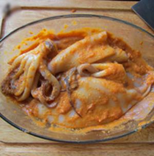 Cách làm món mực nướng kiểu Hàn Quốc cay xè thơm ngon 4