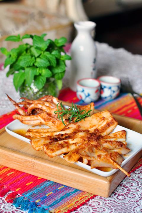 Cách làm món mực nướng kiểu Hàn Quốc cay xè thơm ngon 9