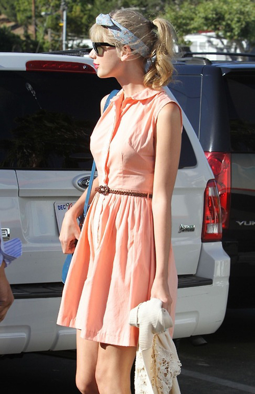 Celebrity-Street-Style-Taylor-Swift-03-1
