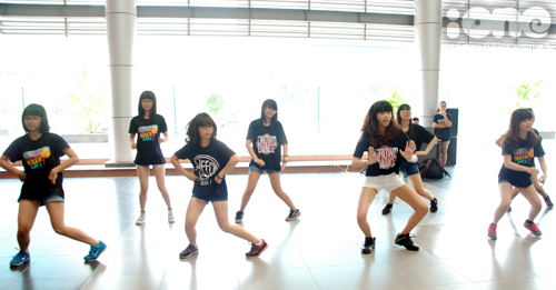 2-Crown-dance-Ams-1-1377074941.jpg