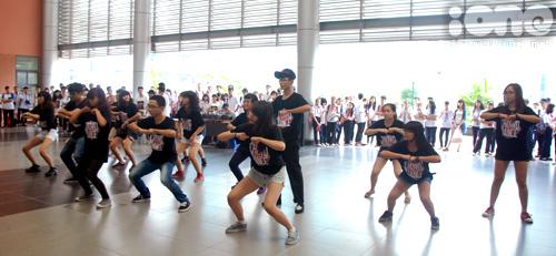 6-Crown-dance-Ams-10-1377074941.jpg