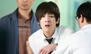 Lee Hong Ki bị gái xinh lên gối trúng vị trí nhạy cảm