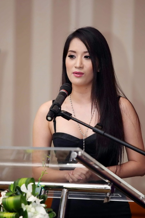 Khánh Thi sẽ xuất hiện với tư cách là người đồng hành của cuộc thi năm nay. Cô được tiếp xúc với các thí sinh và trở thành cầu nối giúp họ đến gần hơn với chương trình, thể hiện niềm đam mê về vũ đạo.