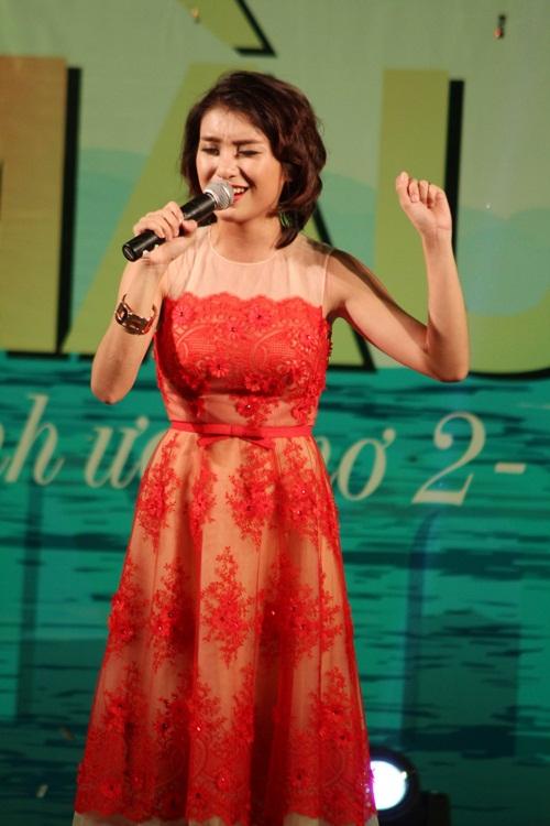 Trong vai trò đại sứ Nâng cánh ước mơ, Tiêu Châu Như Quỳnh đã mang đến những màn biểu diễn ấn tượng. Nữ ca sĩ đã đồng hành xuyên xuốt các hoạt động của chương trình từ đầu đến nay.
