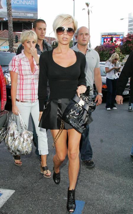 Victoria-Beckham-skirt-candids-june-9-8-