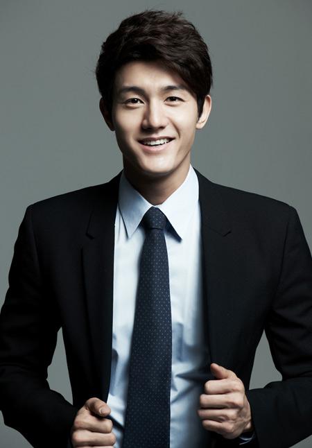 Lee-Ki-Woo-1378267123.jpg