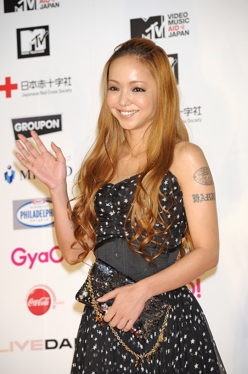 Namie-Amuro-MTV-Video-Music-Aid-Japan-Re
