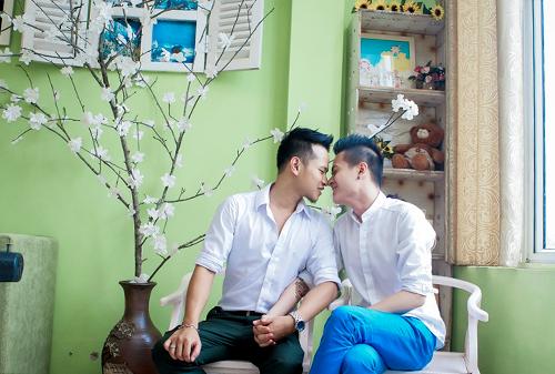 2-Hoan-Khang-chut-chit-hon-moi-8229-1730