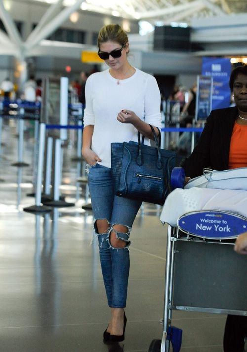 Kate-Upton-in-Jeans-NY-4-8354-1381201449