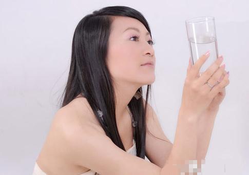 uong-nuoc-a-1847-1381829425.jpg