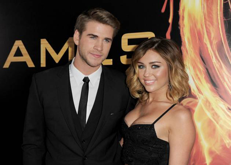 Miley-Cyrus-and-Liam-Hemsworth-9626-6947