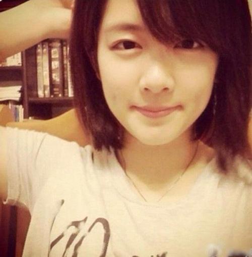 Hiện tại, bên cạnh việc học, Chenghao Yu cũng tích cực tham gia viết nhạc và hát như một hình mẫu hot girl năng động, đa tài.