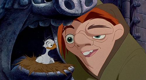 Trong phiên bản khác của tiểu thuyết Nhà thờ Đức Bà Paris được dựng lên thành phim hoạt hình năm 1996, thằng gù nhà thờ Đức Bà Quasimodo bị mắc bệnh tâm thần phân liệt, có chiếc đầu mang hình đầu thú và mang nhiều tính cách rất phong phú.