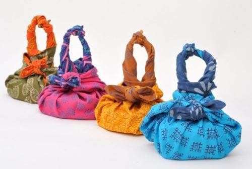 Những chiếc túi nhìu màu sắc và họa tiết dễ thương chưa nè.
