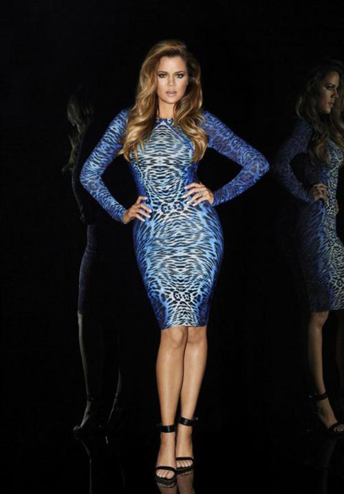 Gần với thời điểm bộ sưu tập Rihanna for River Island ra mắt, chị em nhà Kardashian cũng giới thiệu những thiết kế