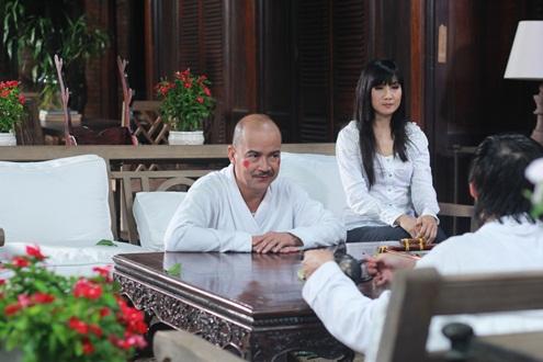 Diễn viên Hiền Mai cũng góp mặt trong phim này, cô vào vai cô giáo chủ nhiệm của Hoài Linh, Hoàng Sơn.