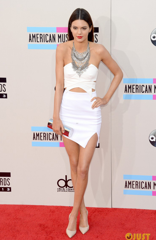 kendall-kylie-jenner-amas-2013-5221-7204