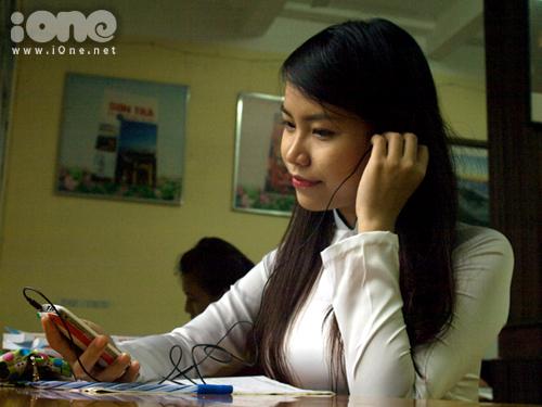 Bên cạnh khoảng thời gian dành cho việc học, Trần Thị Nga có sở thích đi du lịch, gặp gỡ, trò chuyện cùng bạn bè và người thân.