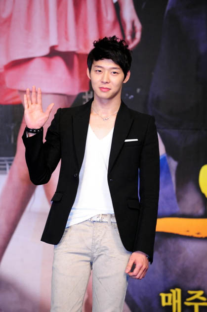 jyjs-yoochun-talks-about-his-r-3072-8980
