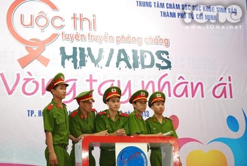 HIV-10-6238-1385917027.jpg