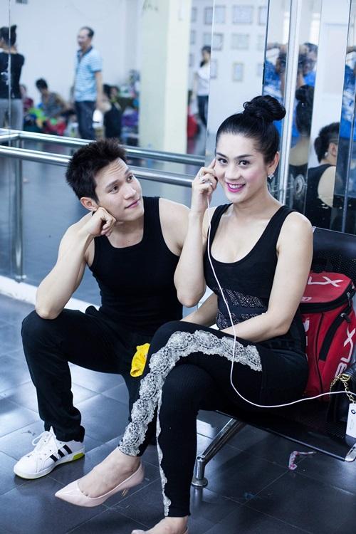 Minh Anh cũng là một trong những khách mời đặc biệt, anh sẽ cùng Lâm Chi Khanh song ca một ca khúc tình cảm.