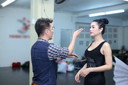 """Tiếc mục """"đinh"""" của chương trình là nhạc kịch Thanh Xà - Bạch Xà do bộ ba Lâm Chi Khanh - Đàm Vĩnh Hưng và Nhật Kim Anh trình diễn."""