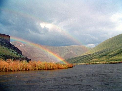 North Fork John Day là một trong hai dòng sông sở hữu khung cảnh hoang dã, nguyên sơ nhất trong các khu rừng quốc gia ở Mỹ.