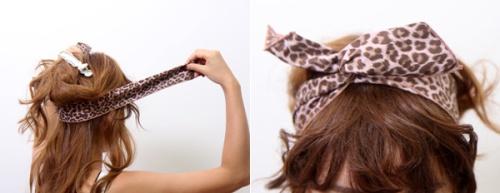 Cách thực hiện kiểu tóc này hết sức đơn giản. Chia tóc làm hai phần sau đó vòng khăn từ phần gáy lên rồi buộc thắt nơ theo kiểu bạn thích. Sau đó bắt đầu tết tóc như bạn vẫn làm.