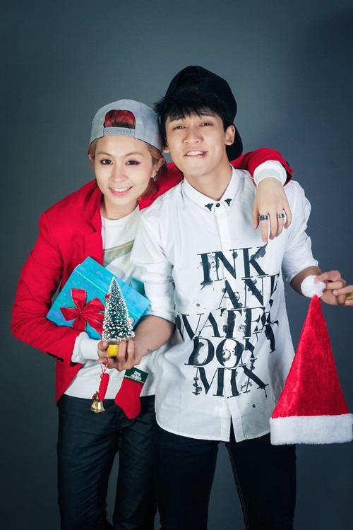 Tronie và Gil Lê là những người bạn cực thân thiết ngoài đời mà không phải ai cũng biết. Nhân dịp Giáng sinh đang về, cả hai đã cùng nhau thực hiện bộ ảnh dành tặng fan hâm mộ.