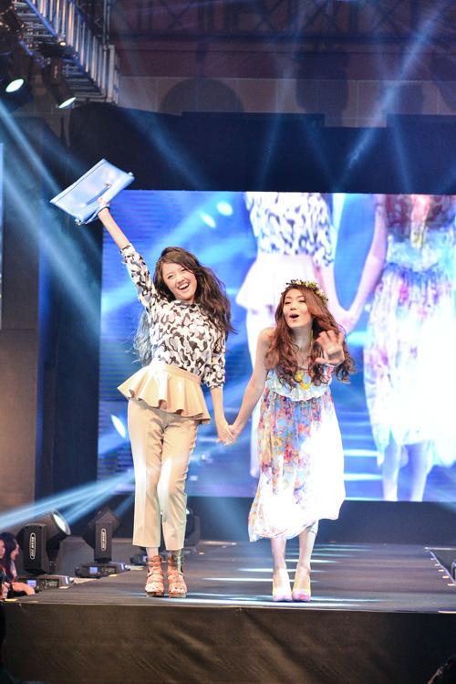 Người mẫu teen Việt Nam và Nhật Bản cùng tham gia trình diễn. Màn trình diễn giới thiệu về thời trang kết hợp giữa trào lưu thời trang của Shibuya và Harajuko cùng với thời trang bốn mùa Xuân- Hạ- Thu- Đông Nhật Bản