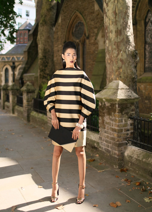 Vừa qua, quán quân Vietnams Next Top Model 2011 Hoàng Thùy đã có một chuyến giao lưu văn hóa tại Scotland và sau đó cô đã ghé sang London, Anh quốc để tranh thủ chụp lại những shot ảnh thời trang ấn tượng nhất giữa khung cảnh đầy lãng mạn, xinh đẹp của thành phố sương mù nổi tiếng này.