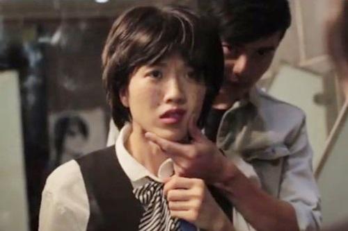 """Nối tiếp thành công của MV Chocolate, Trang Pháp lại một lần nữa tiếp tục thay đổi hình ảnh của mình. Trong MV """"Lựa chọn"""" lại một lần nữa nữ ca sĩ nhấn mạnh sự thay đổi về hình ảnh của mình."""
